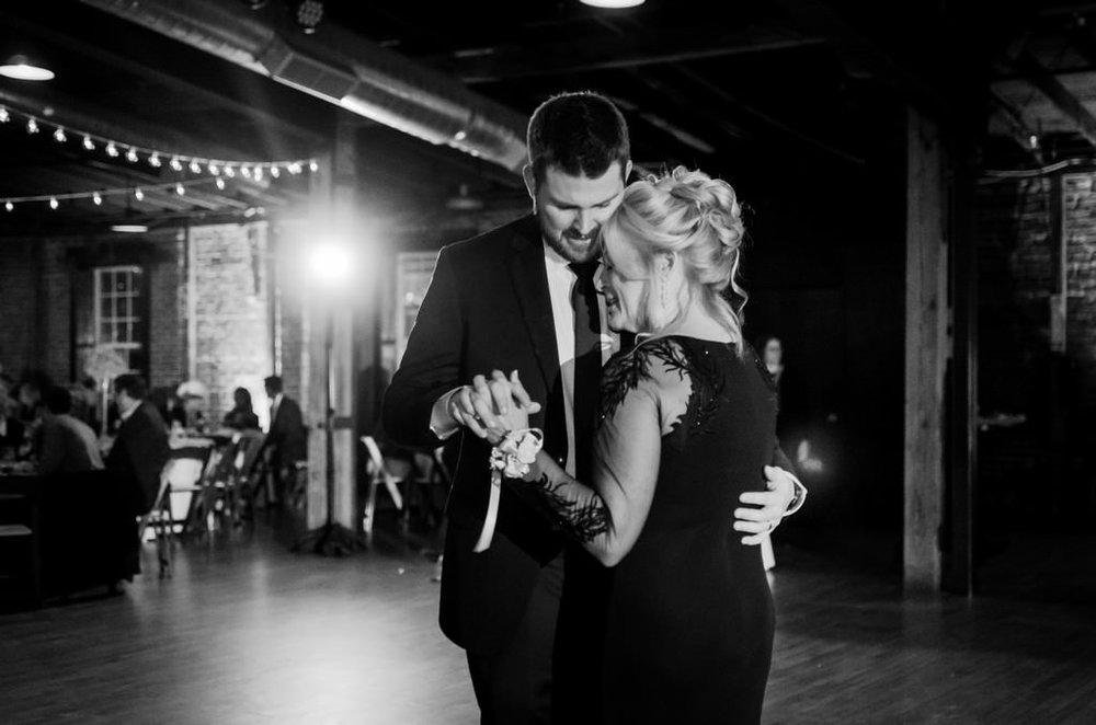 Scarritt-Bennett-Tennessee-Fall-Wedding-Nashville-Wedding-Photographers+23