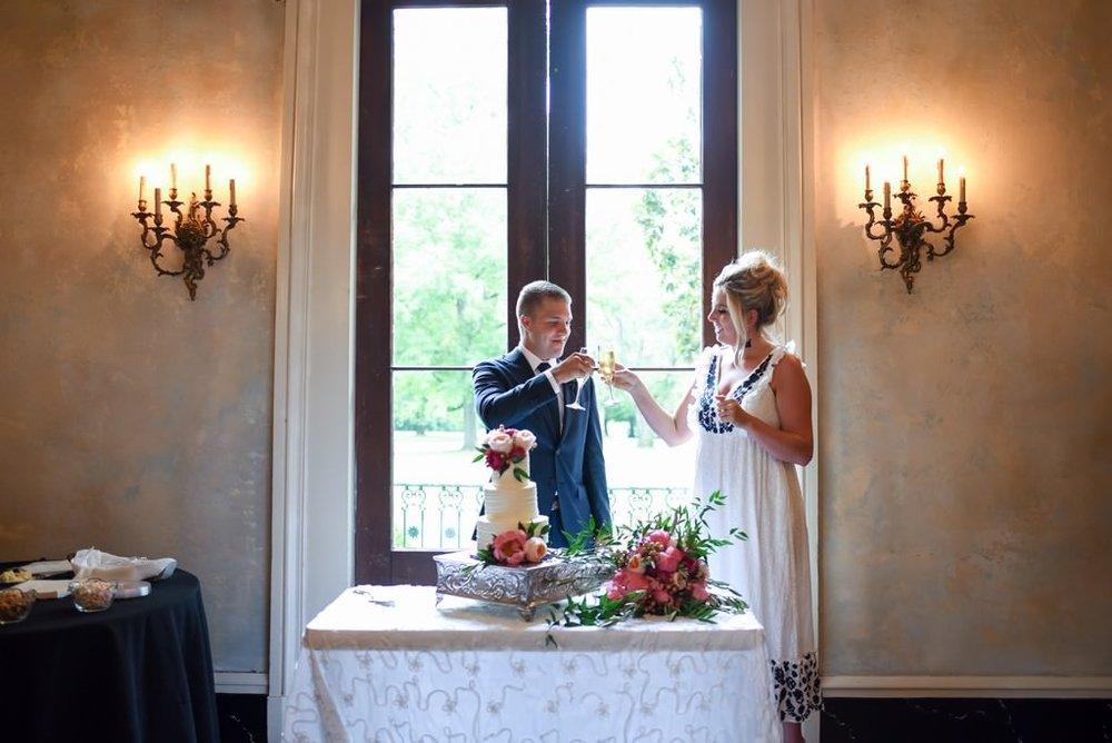 Madison-and-Bo-Riverwood-Mansion-Intimate-Garden-Elopement-Nashville-Wedding-Photographers+17