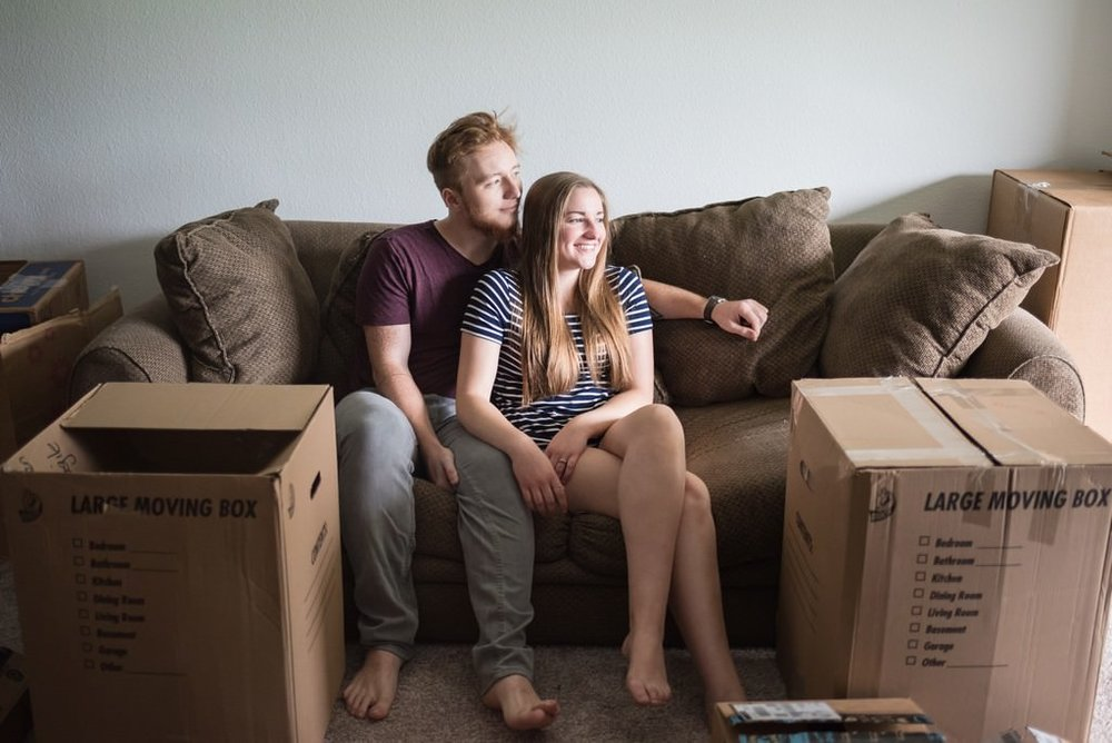 Emily-and-David-In-Home-Apartment-Move-In-Engagement-Session-Nashville-Wedding-Photographers+6