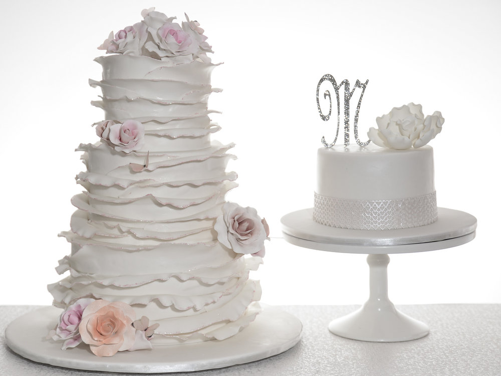White-and-Pink-Ruffle-Wedding-Cake-.jpg