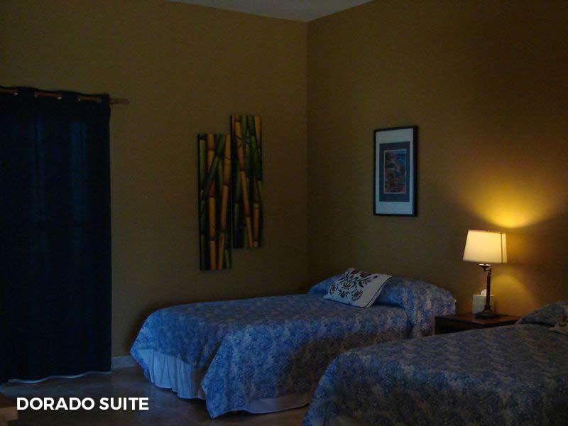 - Dorado SuiteTwo double beds and en suite bathroom