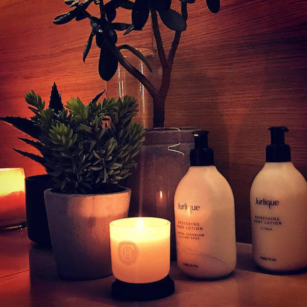 hair salon relaxing hand massage.png