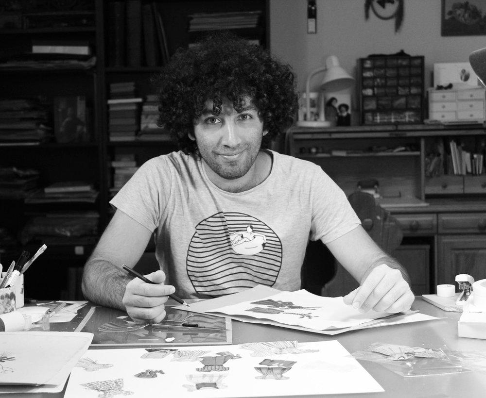 Farshid Larimian |  Künstler, Jugend und Freizeitbetreuer  Es ist immer schön, wenn ich meine Erfahrungen als Künstler weitergeben kann. Wo die zeichnerische Sprache nicht ausreicht, unterstütze ich unser Team zusätzlich mit Übersetzungen. Da ich auch im Haus Liebhartstal mit einigen jungen Flüchtlingen aus dem Zeichenkurs arbeite und aufgrund meiner persönlichen Erfahrung in diesem Bereich, kenne ich Probleme, Herausforderungen und Wünsche der jungen Menschen sehr gut. Das macht es mir möglich, mit den Themen Immigration und kulturelle Begegnung sensibel umzugehen.Solidarity Matters sehe ich auch als eine Inspirationsquelle und eine Lösung zu einem sozialen, gesellschaftlichen Problem und eine Hilfestellung für die Menschen, die Begegnung, Gestaltungsmöglichkeit oder Unterstützung suchen und möchte gerne bei der Aufbauphase einen Teil beitragen.
