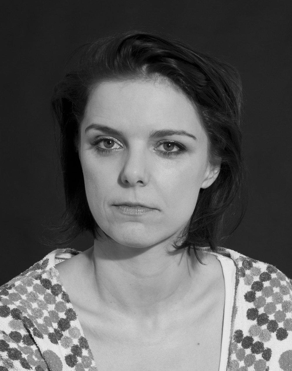Catharina Bond | Künstlerin   Jeder kann was tun. Ich auch! In dem Fall von solidarity matters, betreue ich die Homepage.