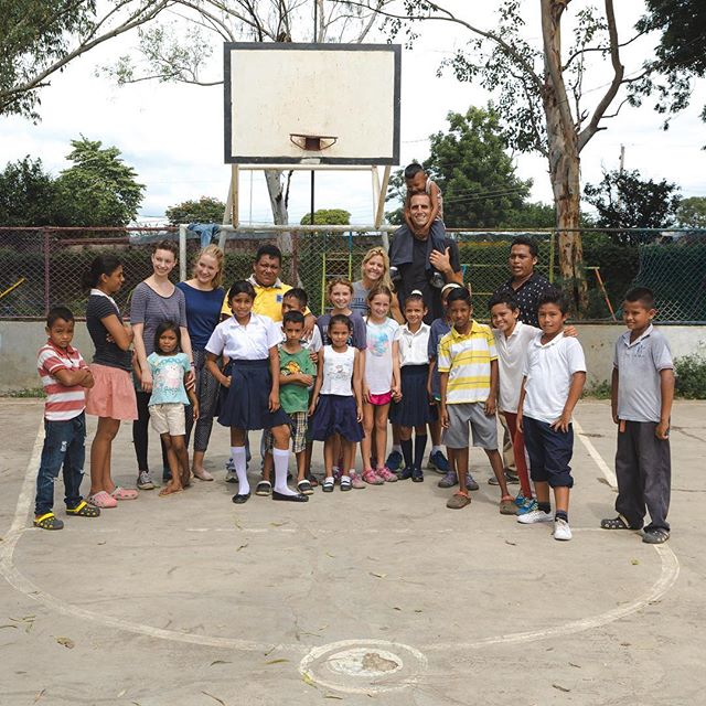 Great after-school Namasté & Play event with this group  in Leon, Nicaragua. 🙏🏼🏀 📸: @rickyxwillis