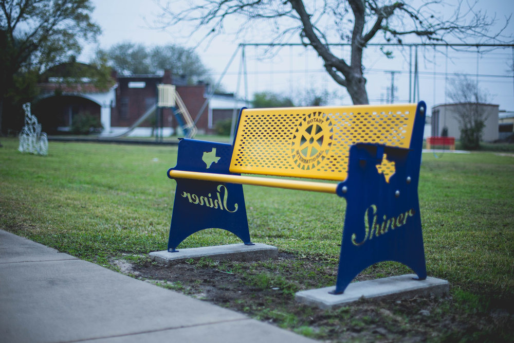rotary-club-custom-bench.jpg