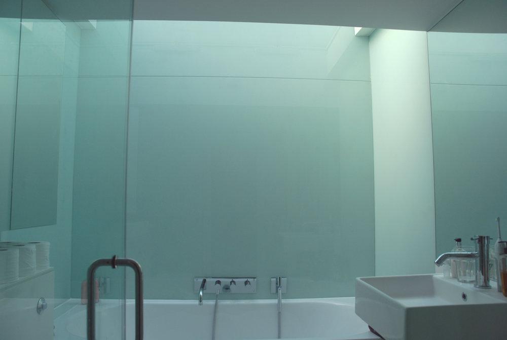 bath 1f.jpg