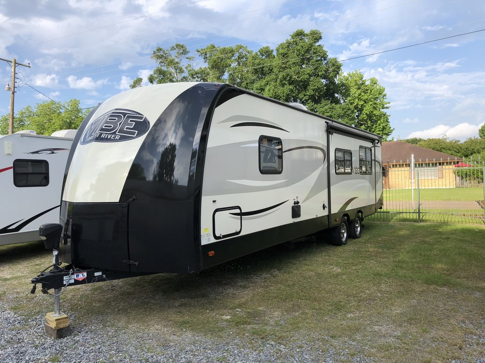 2016 Forest River Vibe$165/Day - Packed full of all the great features you are looking for in an RV, Vibe travel trailers deliver true comfort and unsurpassed quality at a great price. Wherever your travels may take you, the comfort of your Vibe will provide you with the feeling of a true home on the road.