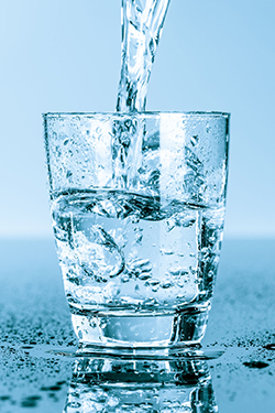 The best strategy for the sake of your teeth and overall health is to enjoy fresh water on a regular basis.