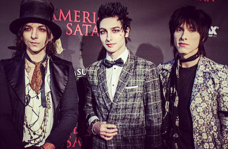 the strapping young lads of @palayeroyale at the Universal Studios premiere.. in addition to having a big song on the soundtrack and @remingtonleith performing the singing voice of Johnny Faust, they also have a headline tour of Europe that's selling out fast in advance so get your tix while ya can!