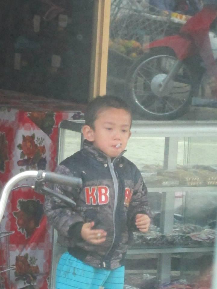 Kids start smoking early in Vietnam!