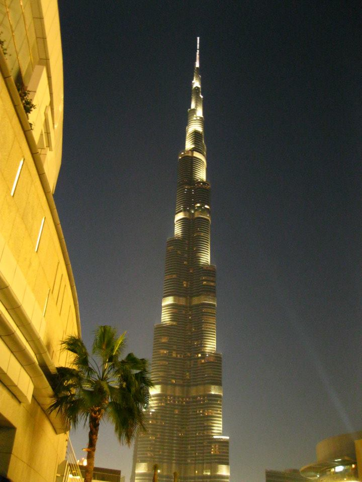 The Burj Khalifa is quite impressive at night.