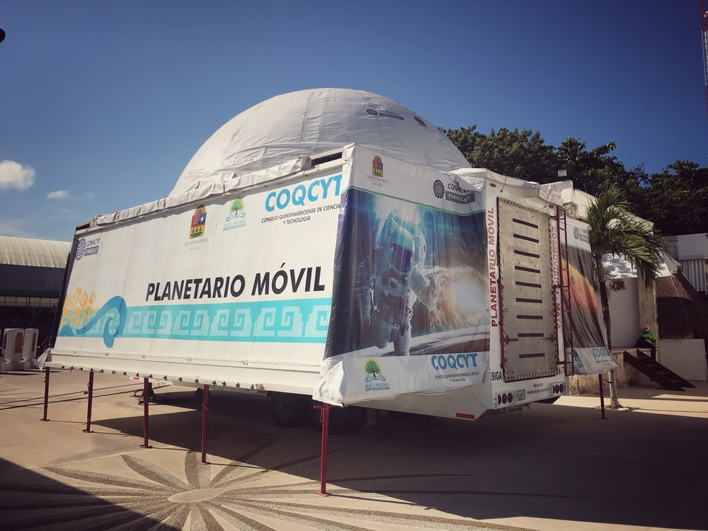 There were some mobile museums near the park that were unfortunately closed during our visit.