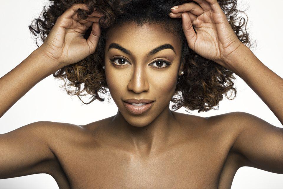 Make Up: @legallybeat  Photographer: @domoshotme
