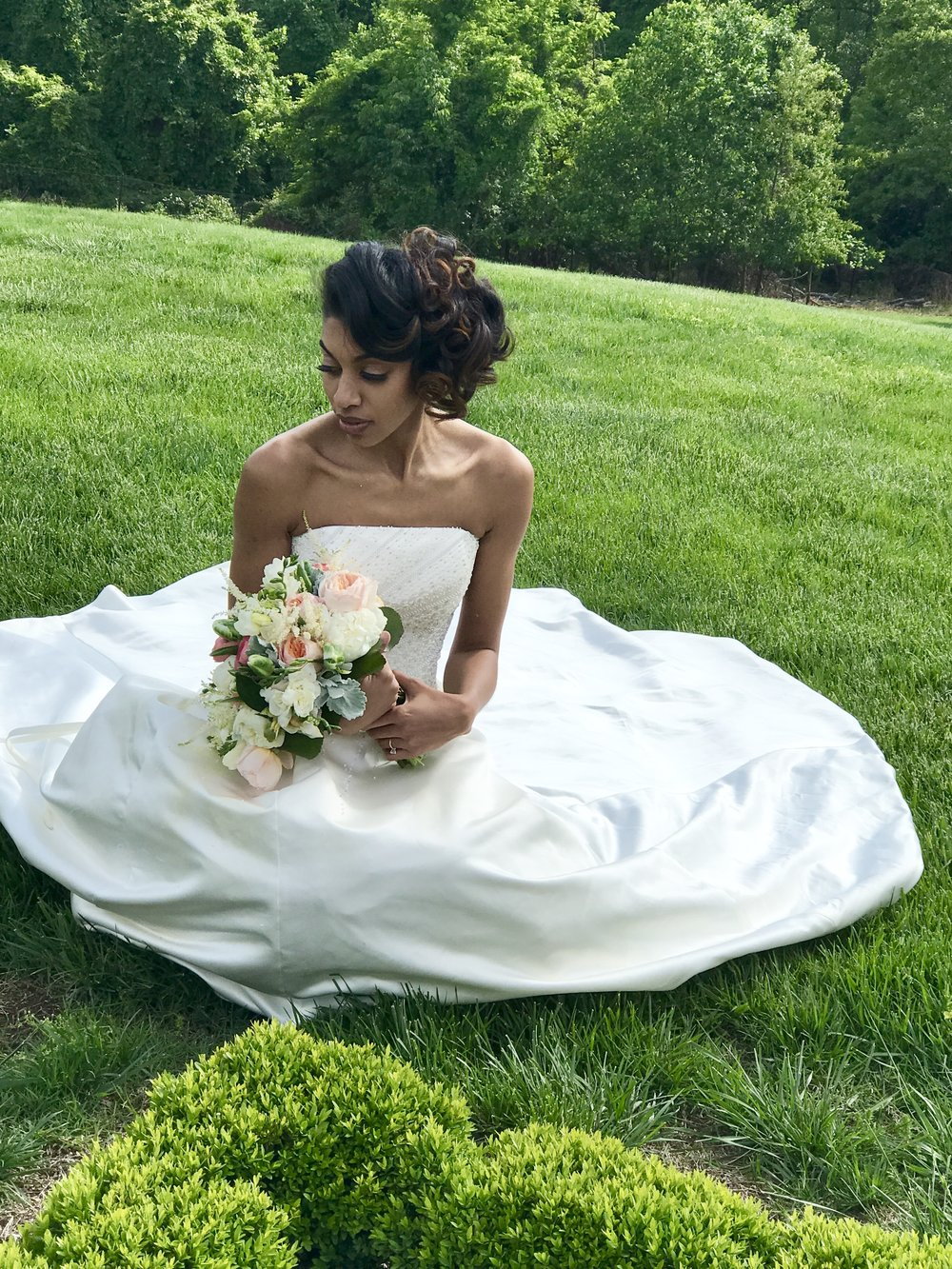 Make Up: @creatingvisionsMUA  Hair: @ladyoofrunway  Photographer: iPhone