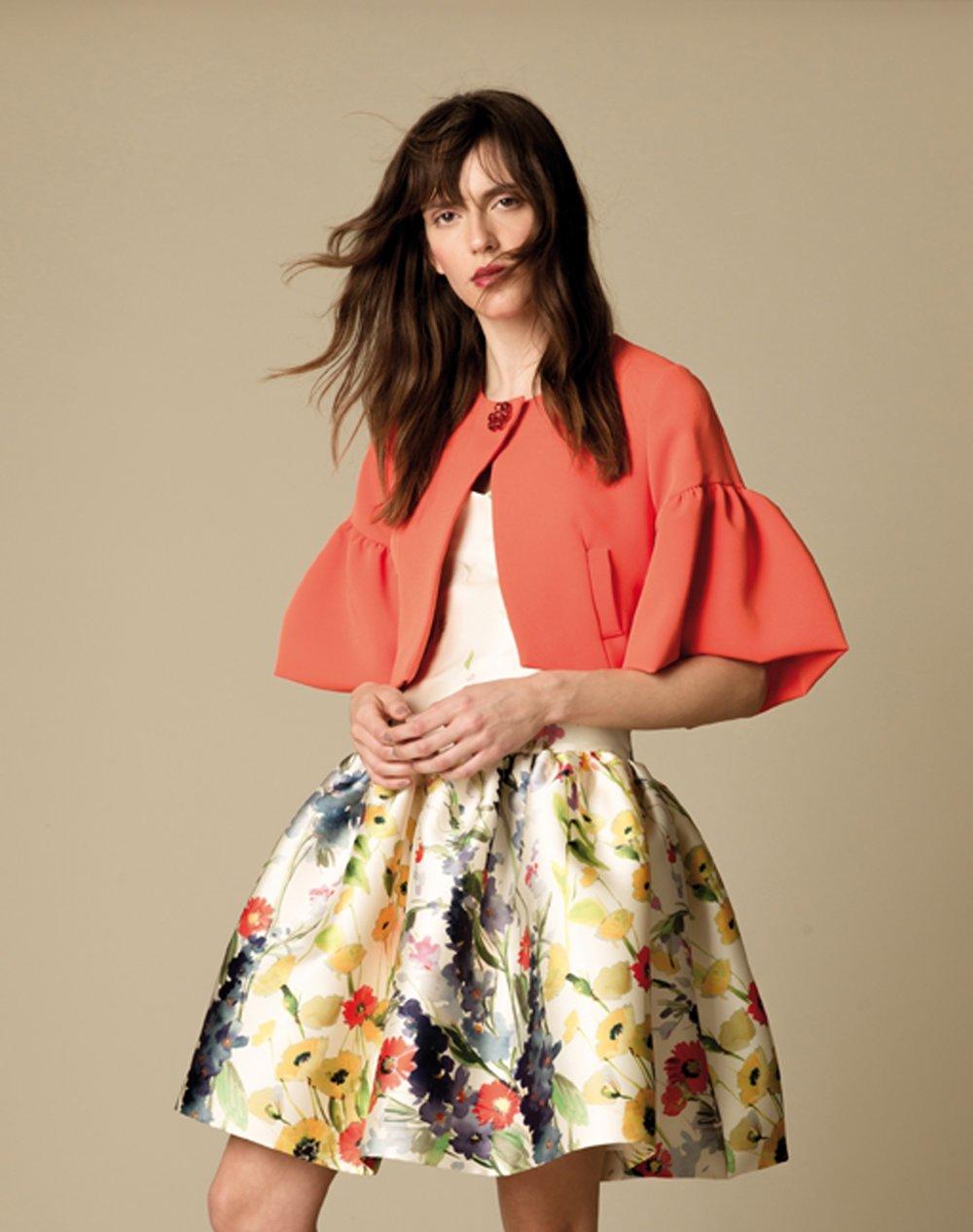 - Kleid Valentina - Seidentaft mit BlütenmotivJacke Flocke - orangener schwerer Crêpe Stretch