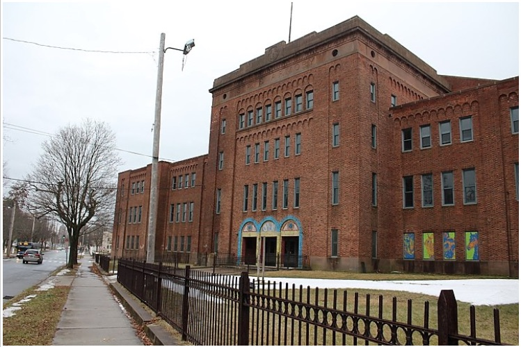 The Goffe Street Armory (pictured from Goffe) two winters ago. Paul Bass Photo for the New Haven Independent.