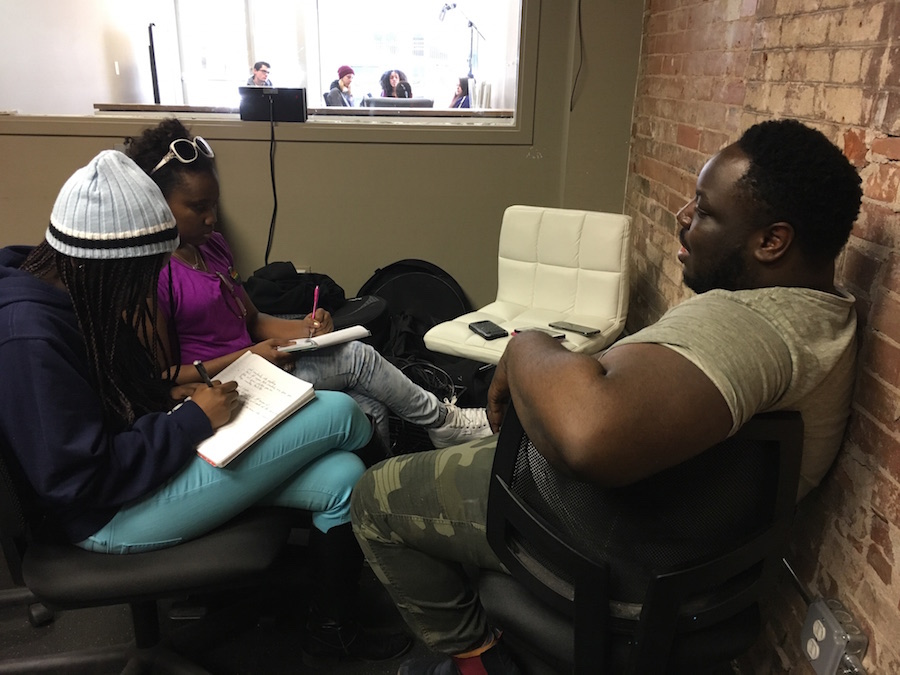 Paul Bryant Hudson teaching at a recent meeting of the Youth Arts Journalism Initiative at Baobab Tree Studios. Lucy Gellman Photo.