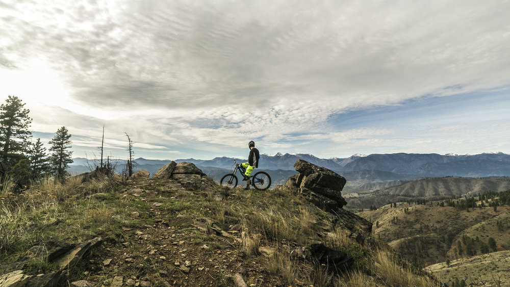 Mountain Biking Still 2 [4K].jpg