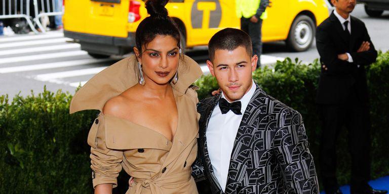 Priyanka Chopra & Nick Jonas at the Met Gala in 2017 .