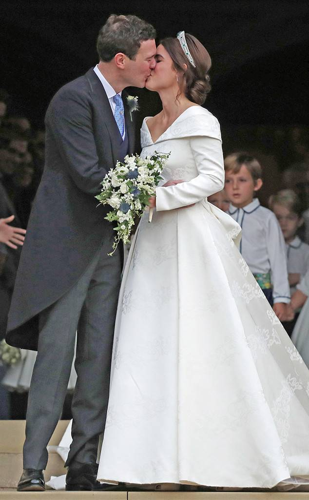 Princess eugenie wedding dress celebrity weddings 2018