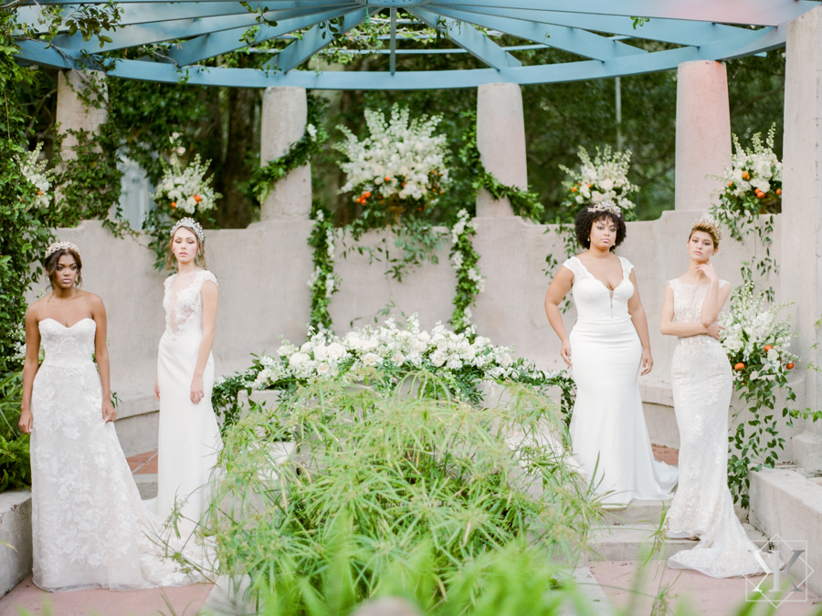 kristen weaver photography orlando wedding vendors garden wedding white flowers