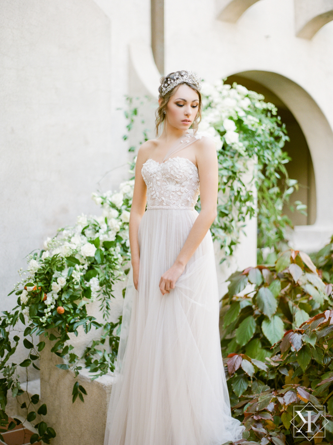 orlando wedding venue wedding inpsiration white flowers