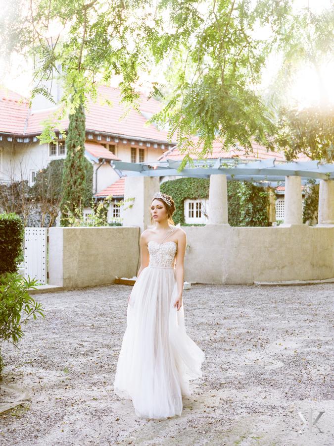 mira zwillinger gown flowy wedding gown strapless wedding gown sydonie mansion