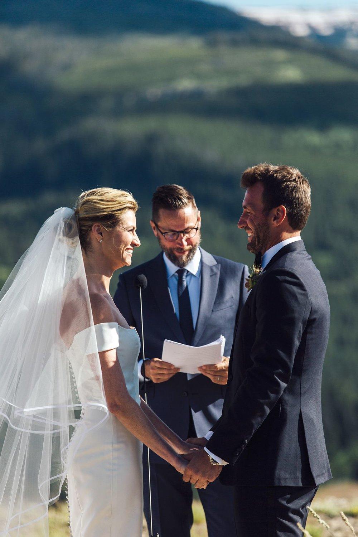 erin andrews wears silk tulle veil with her carolina herrera wedding gown