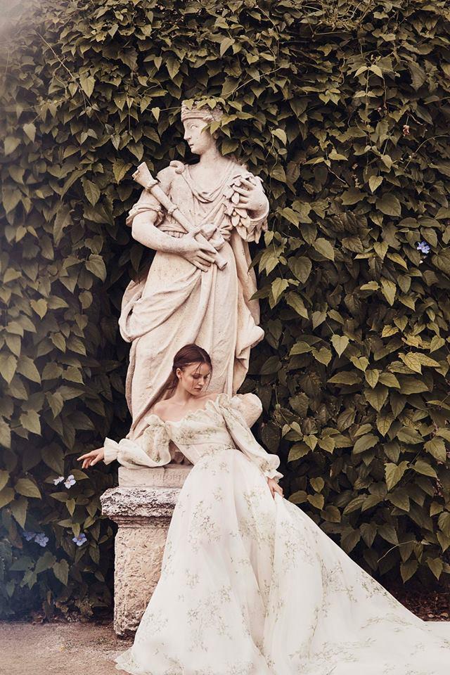 off shoulder green detailed wedding gown monique lhuillier