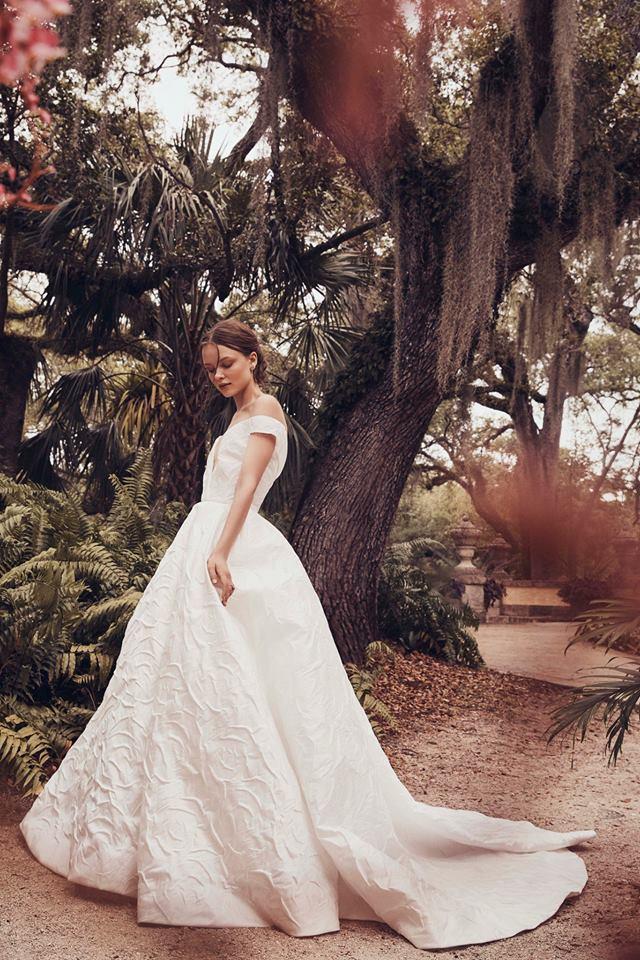 off shoulder jacard fabric monique lhuillier gown