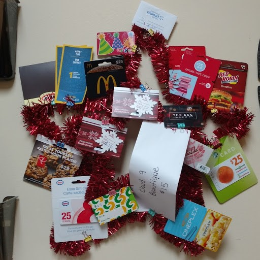 Christmas gift card wreath.jpg