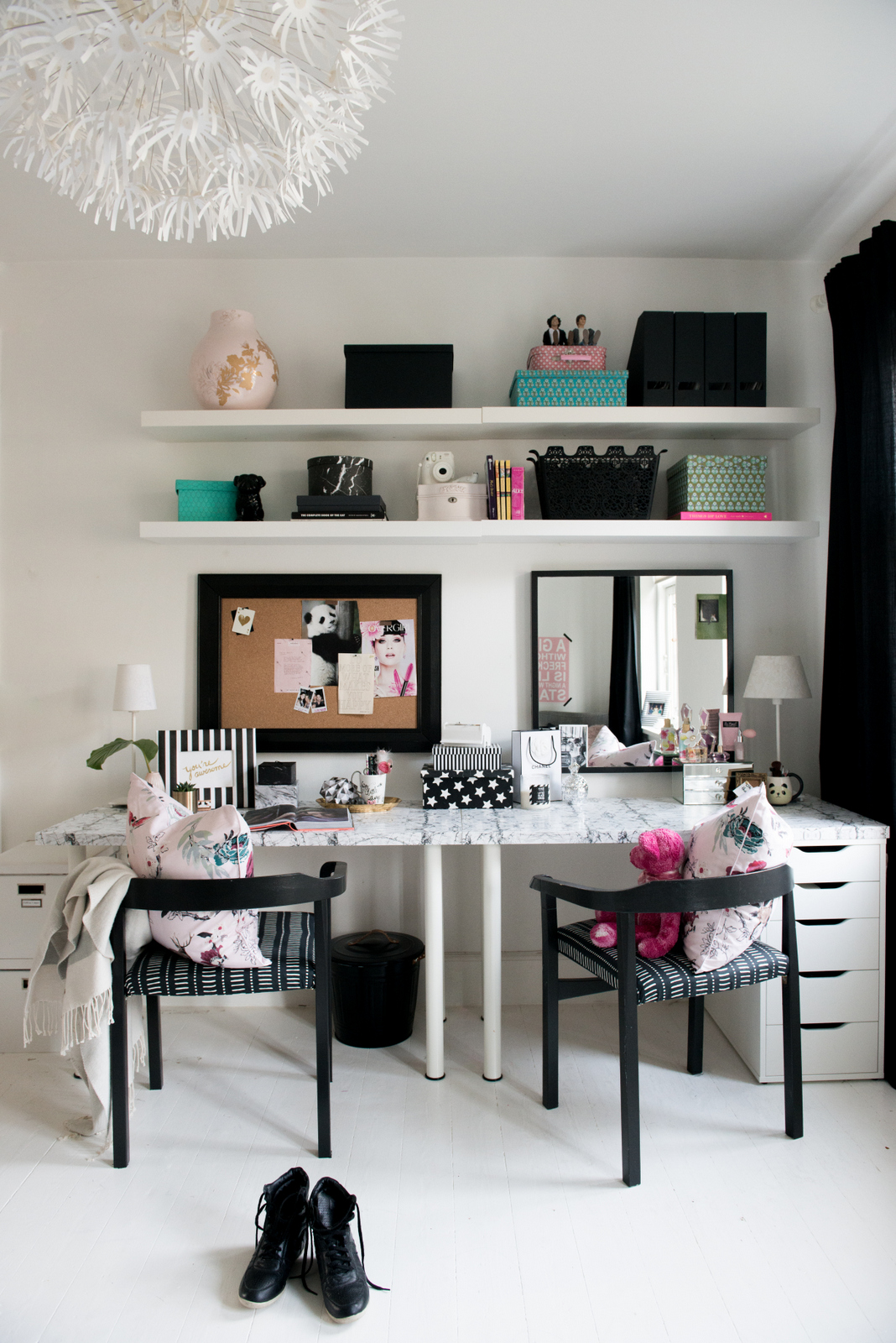 Valentina Fussell Teen Desk and Vanity-13