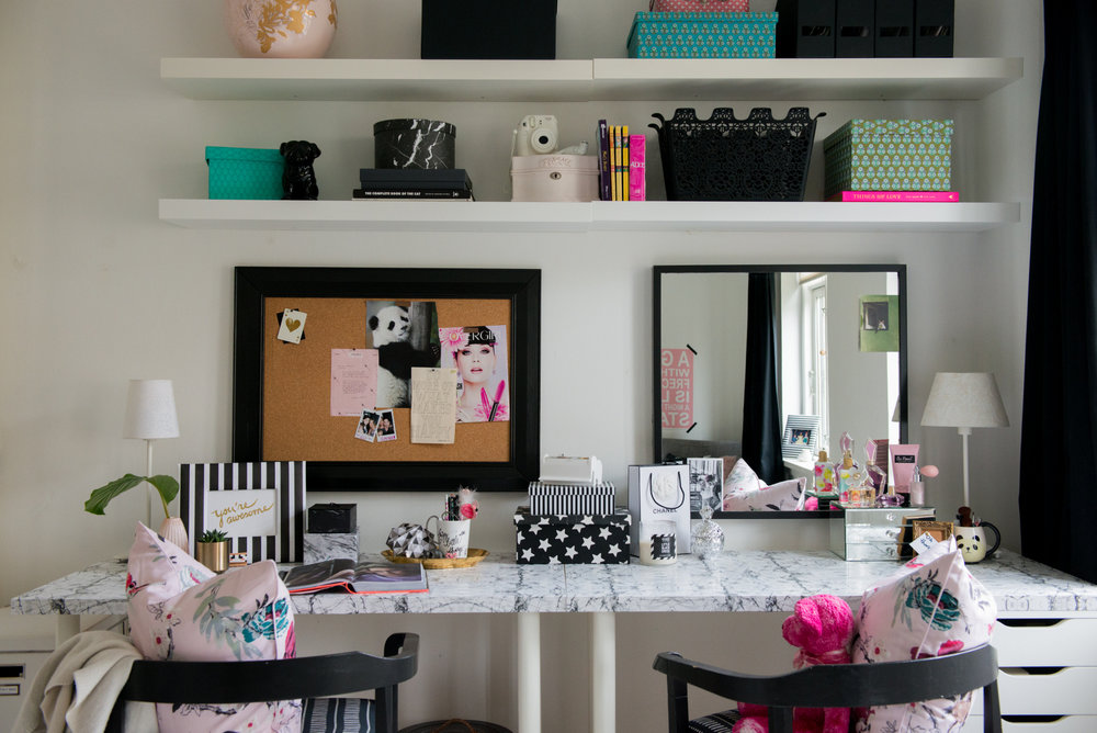 Teen Bedroom Makeover A Teen Vanity And Desk House Of Valentina