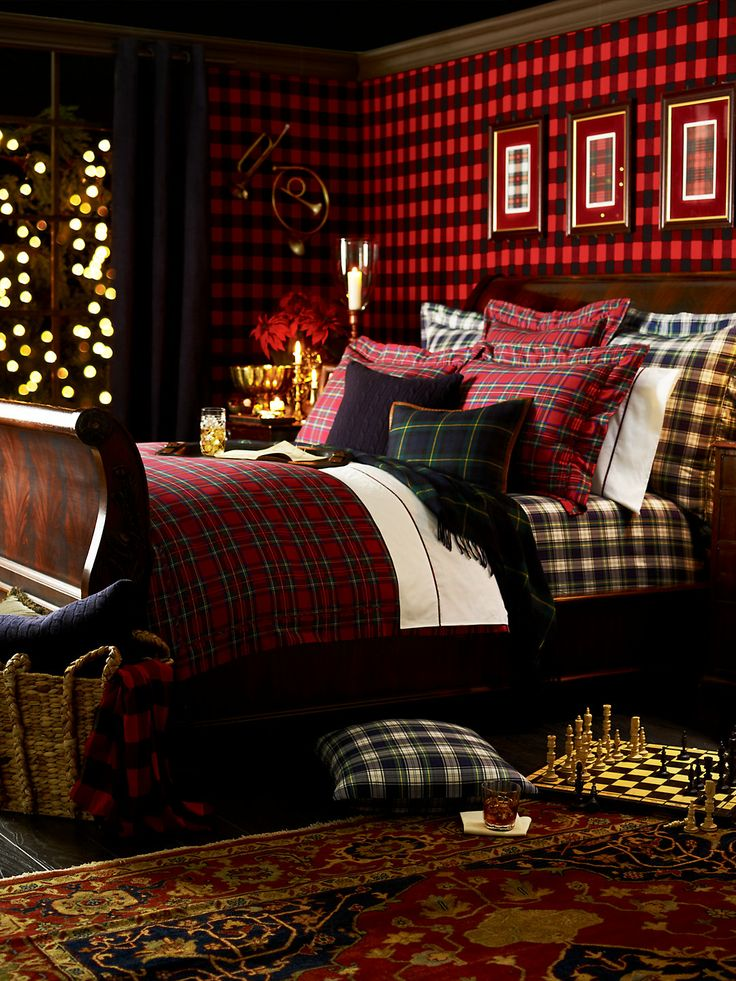 Christmas Plaid Bedroom :: House of Valentina