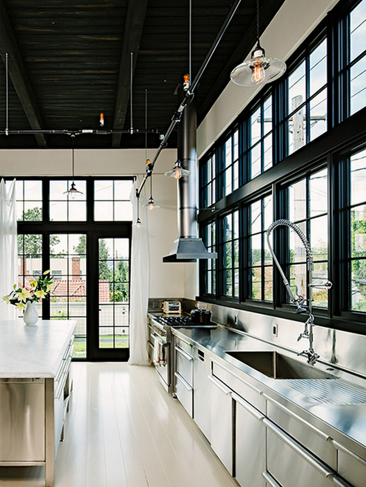 Industrial Kitchen :: House of Valentina