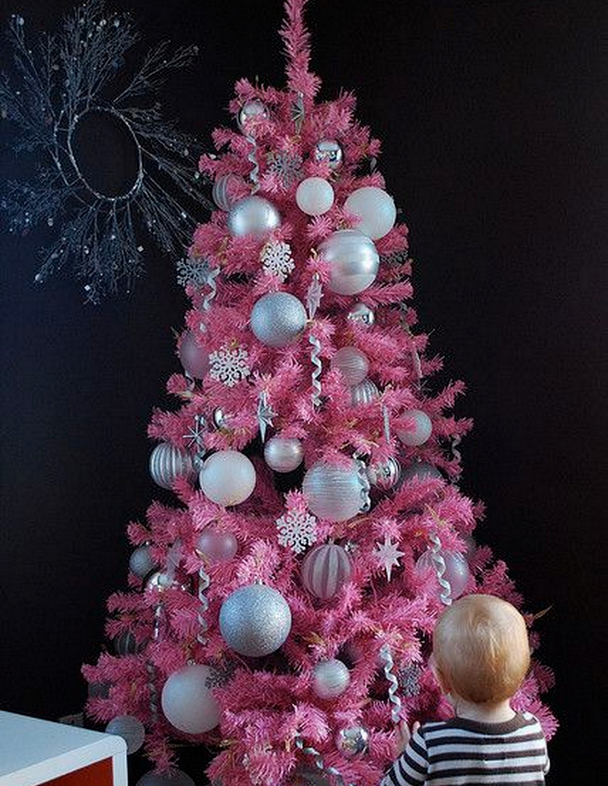 Pink Christmas Tree :: House of Valentina
