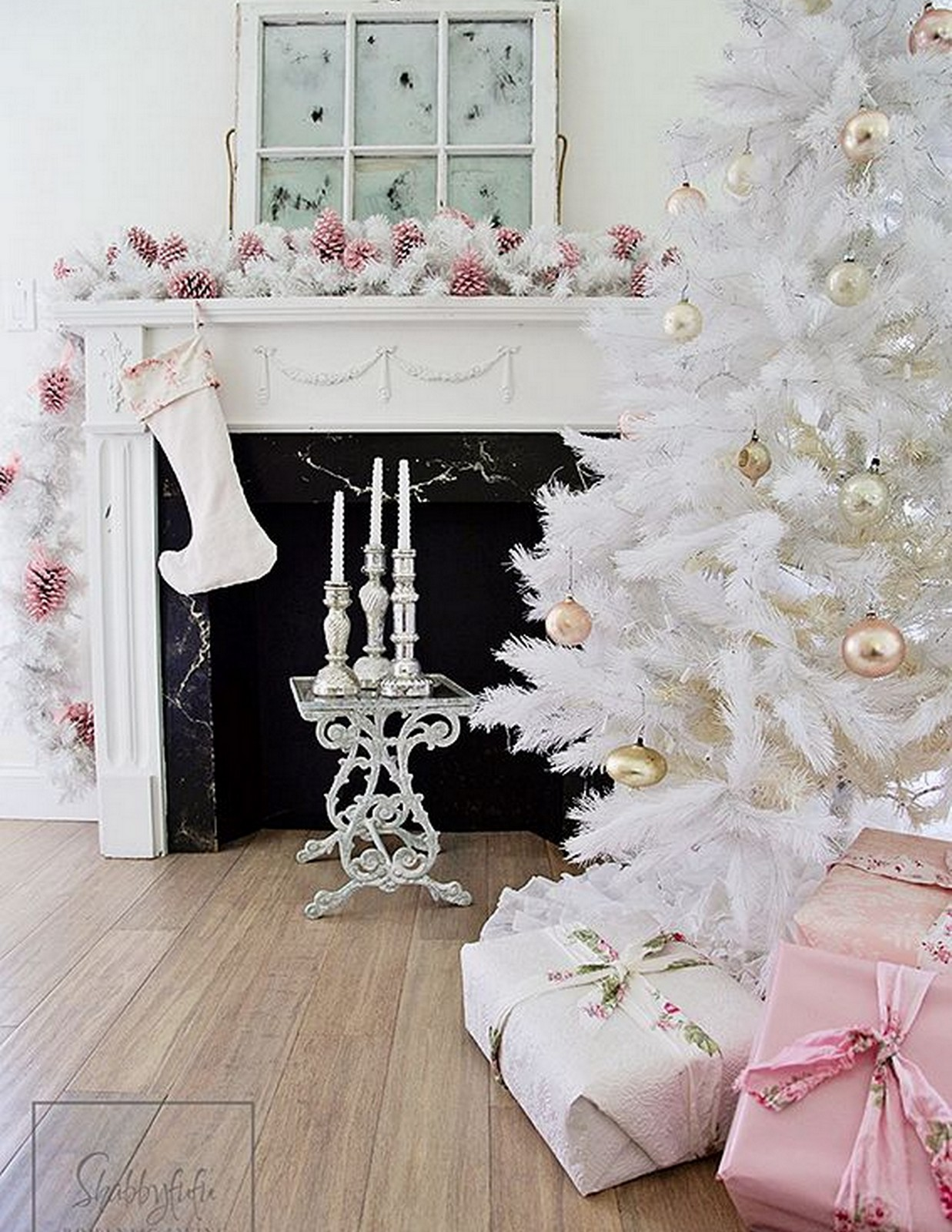 Pink Christmas + White tree :: House of Valentina