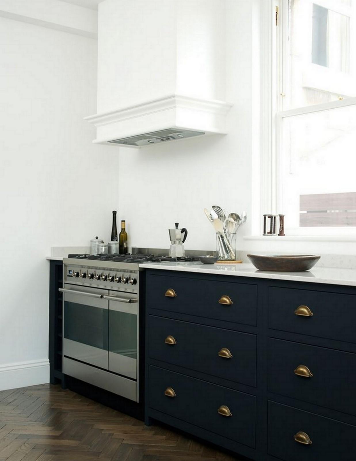Black + White + Gold Kitchen :: House of Valentina