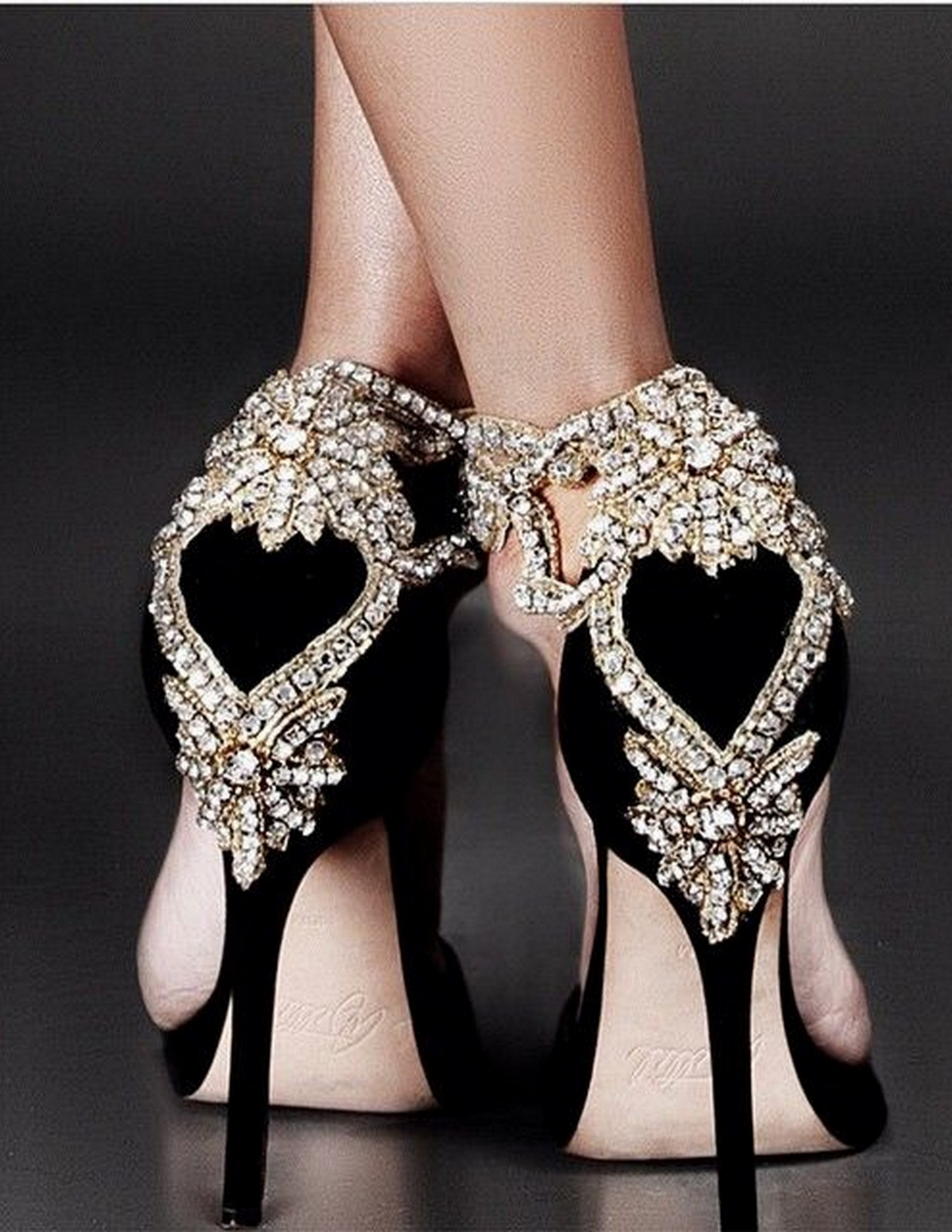 Glamorous Gold Heel :: House of Valentina
