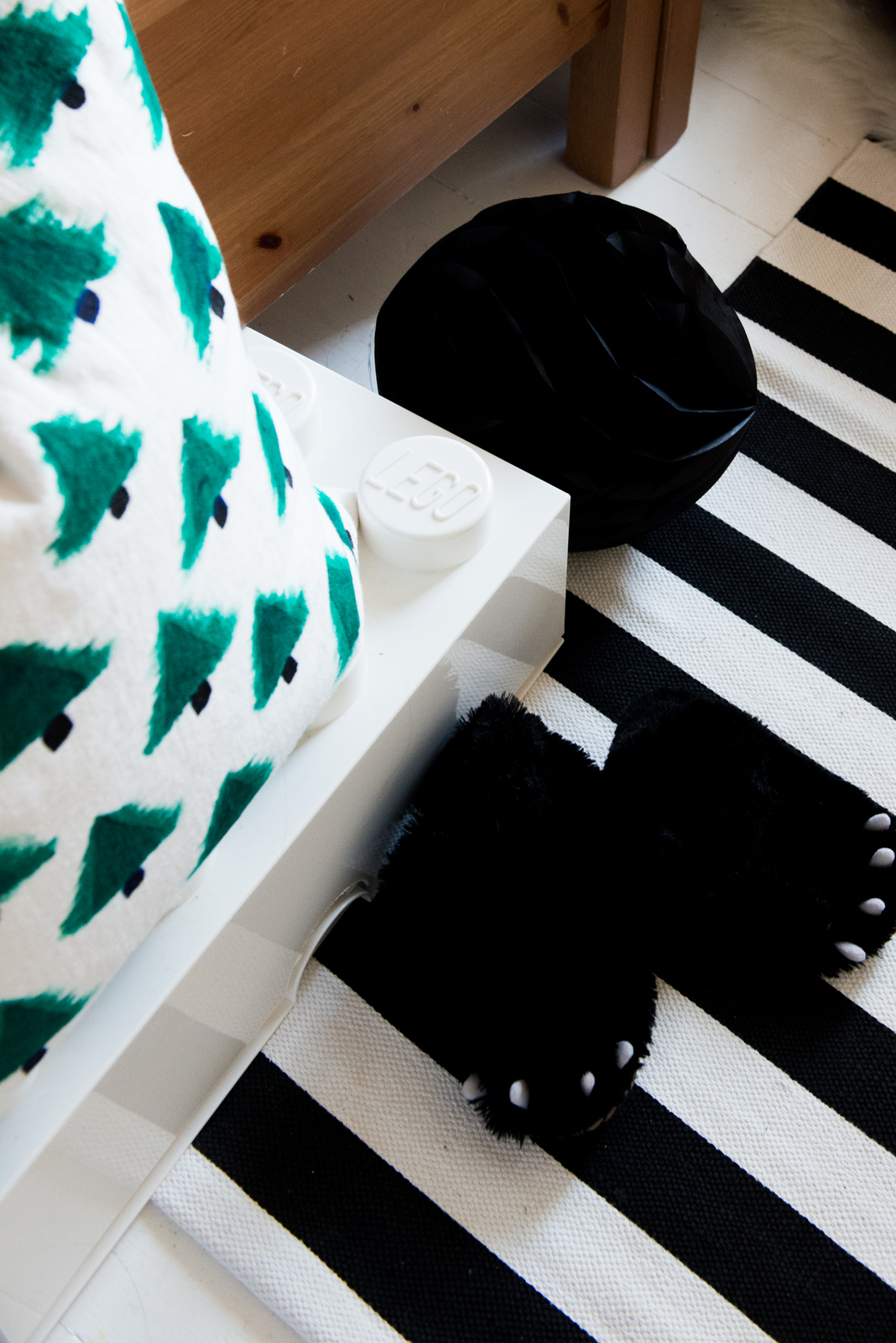 Valentina Fussell Christmas DIY Pillow2