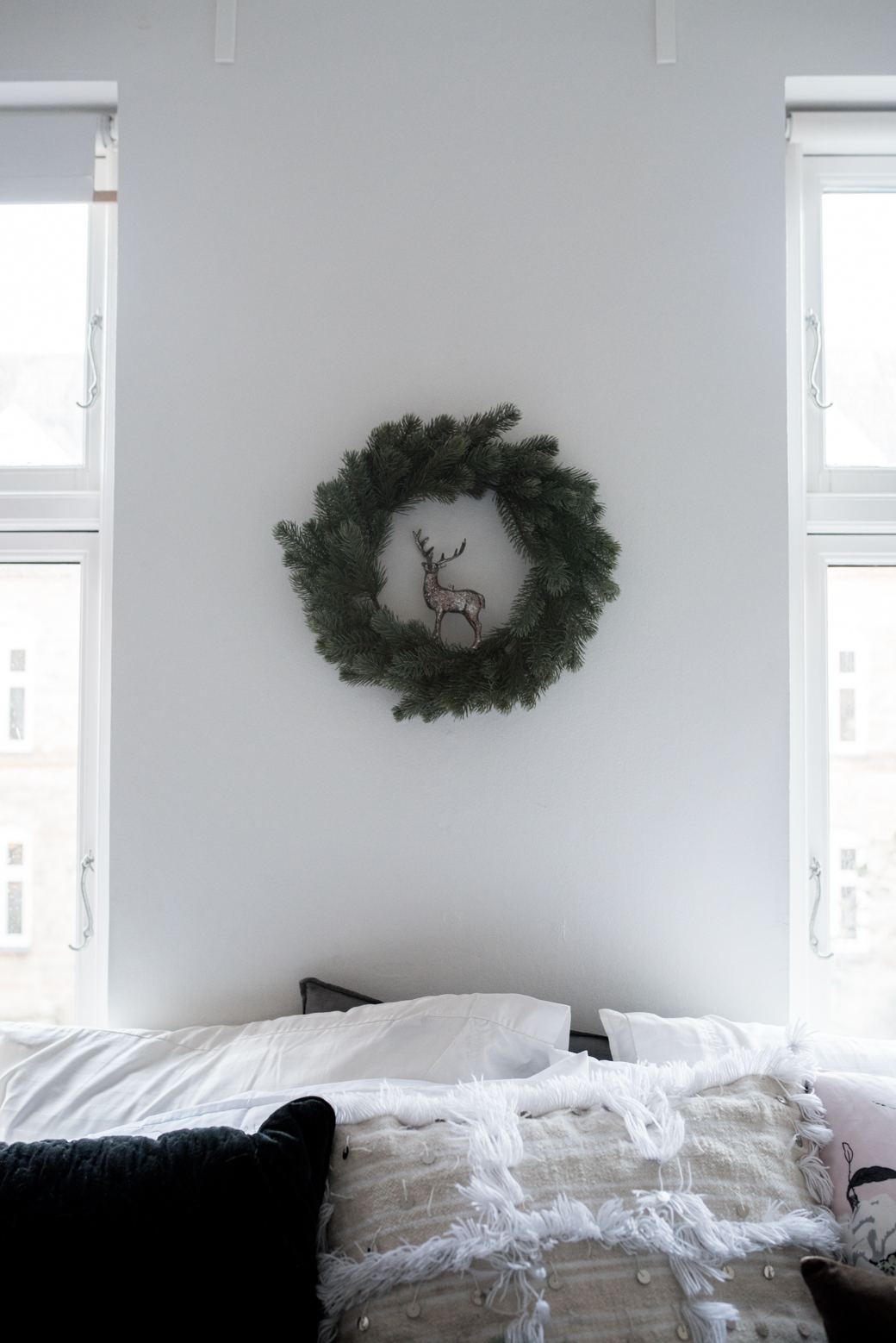 Valentina Fussell Teen Christmas Room-12