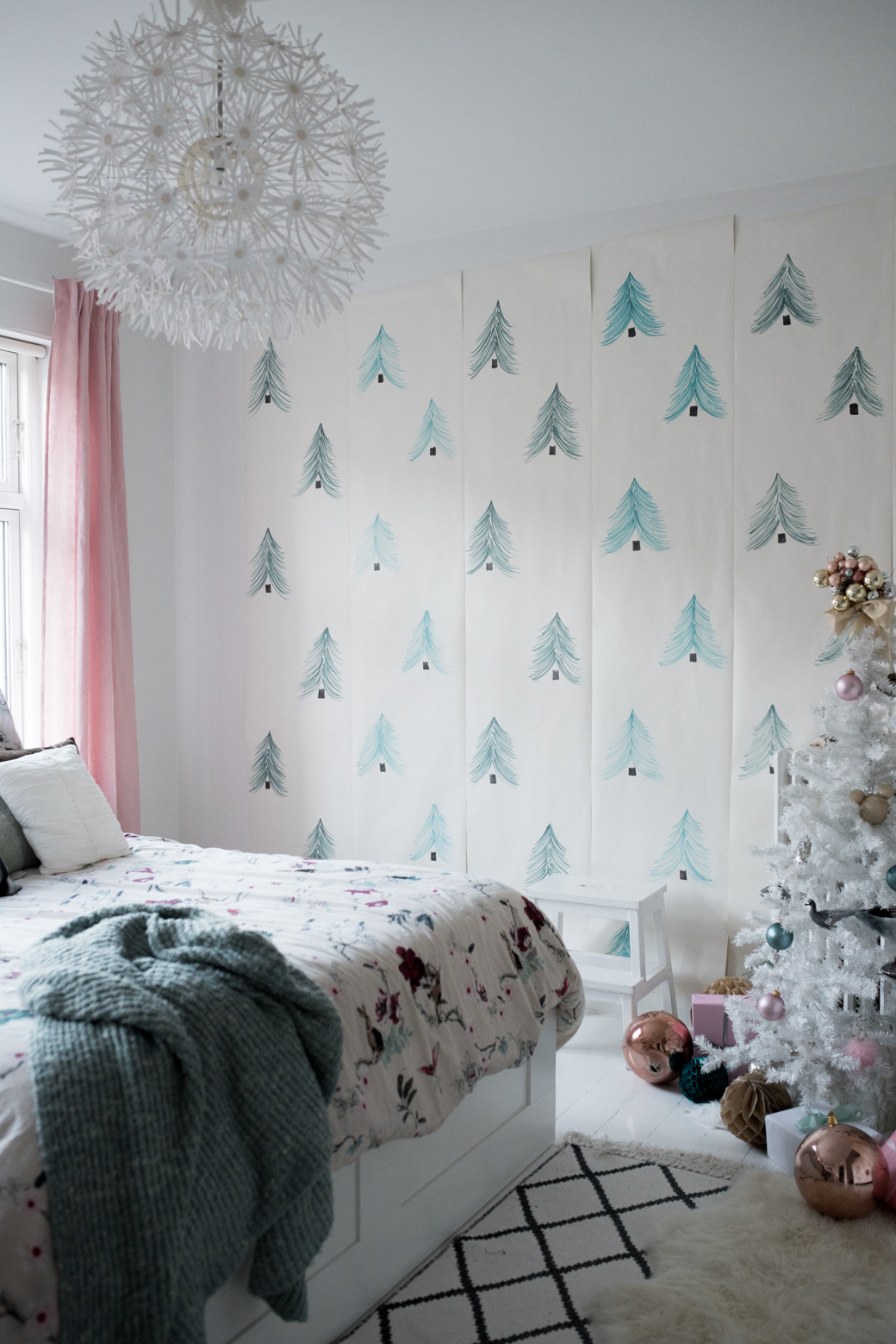 Valentina Fussell Teen Christmas Room-14