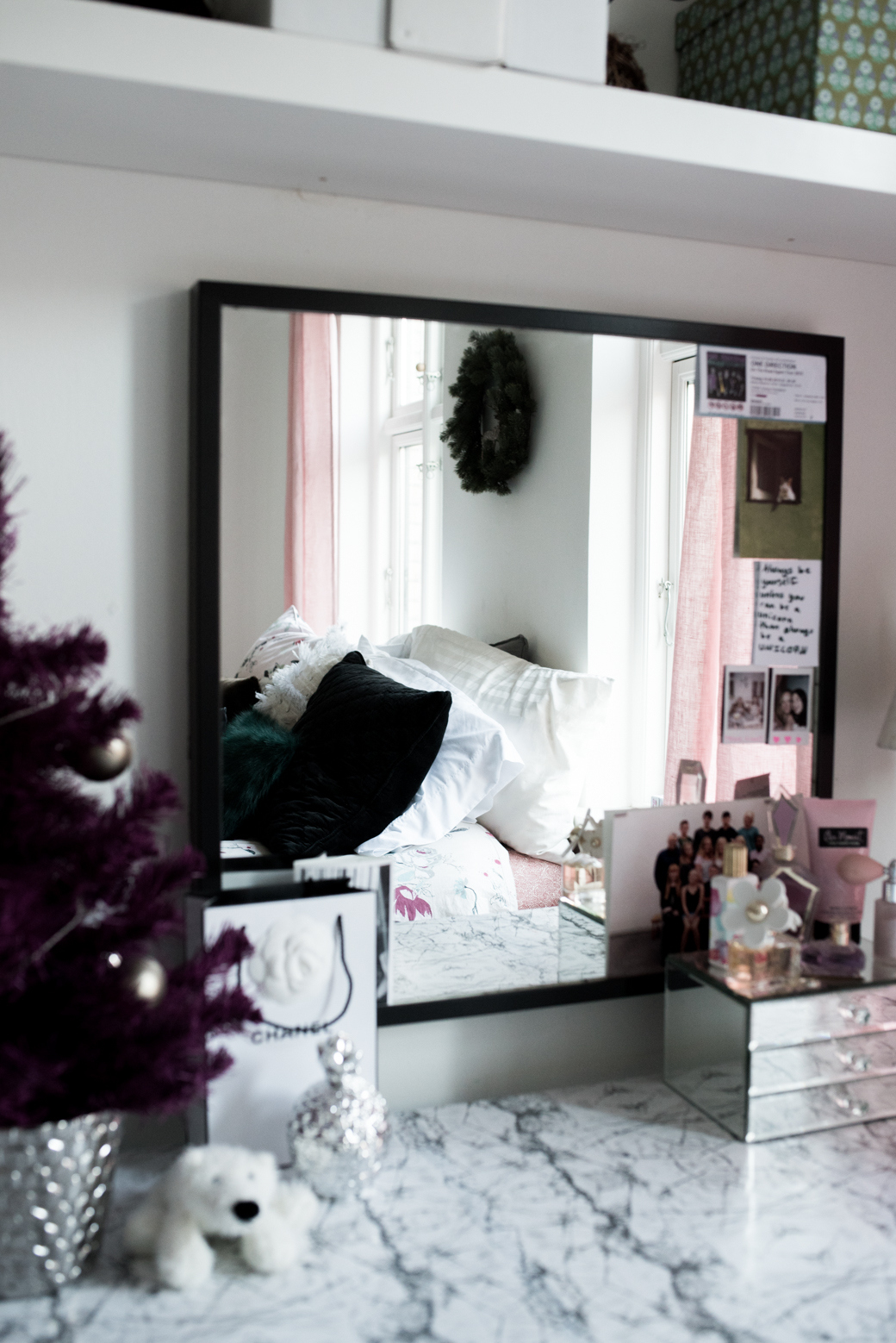 Valentina Fussell Teen Christmas Room-8