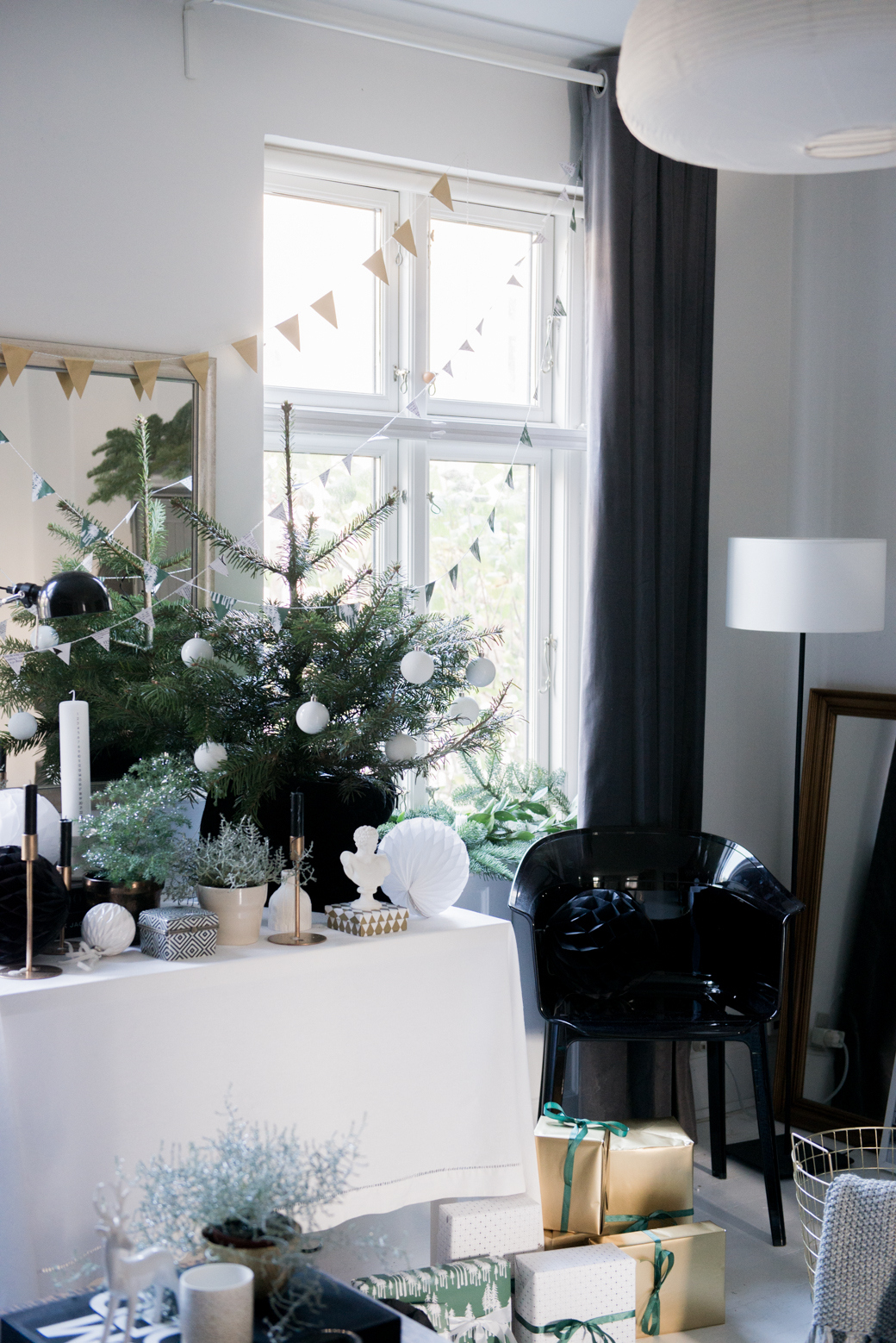 Glamorous Christmas Living Room Makeover  :: House of Valentina