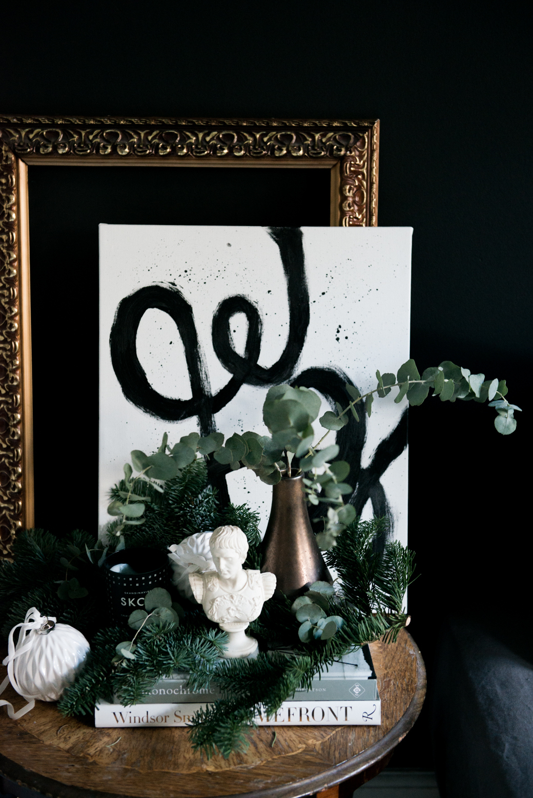 Glamorous Christmas Living Room :: House of Valentina