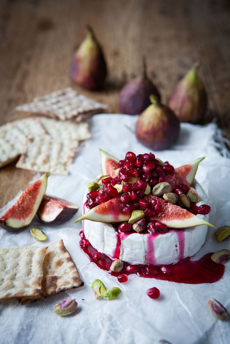 Warm camembert tart with pomegranate syrup fig & pistachio :: Featured on House of Valentina