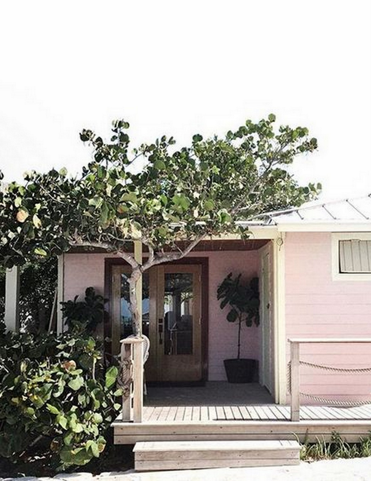 Pink House Bahamas :: House of Valentina