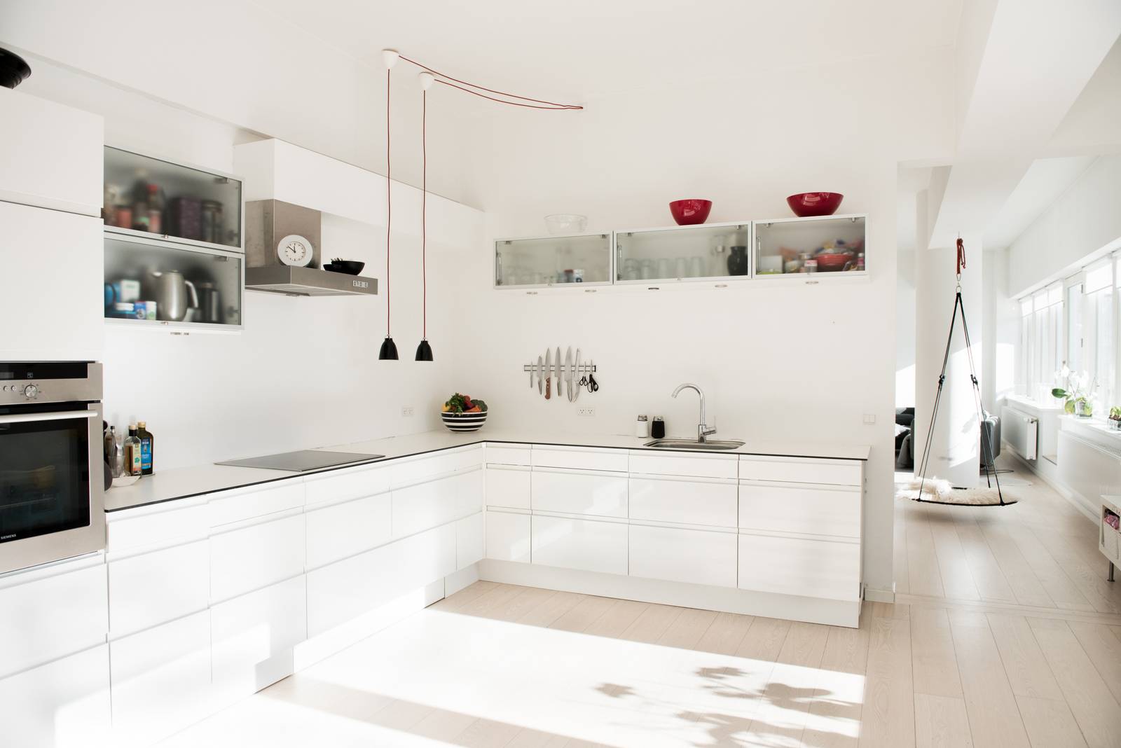 All White Family Home :: House of Valentina