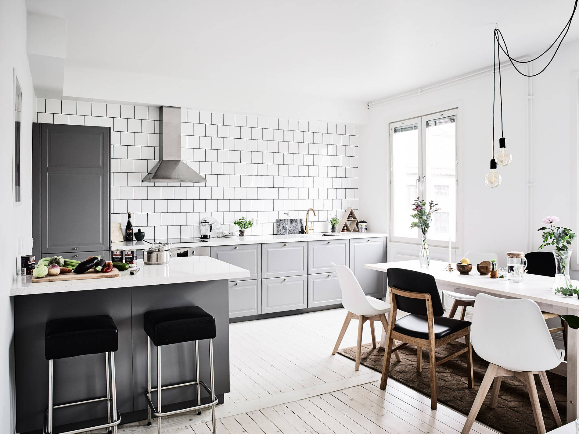 COMFORTABLE + ELEGANT SWEDISH HOME